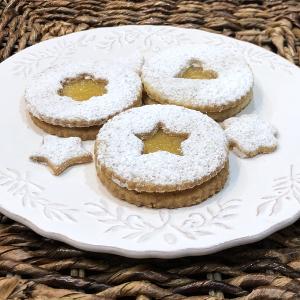 Pineapple Pecan Linzer Cookies